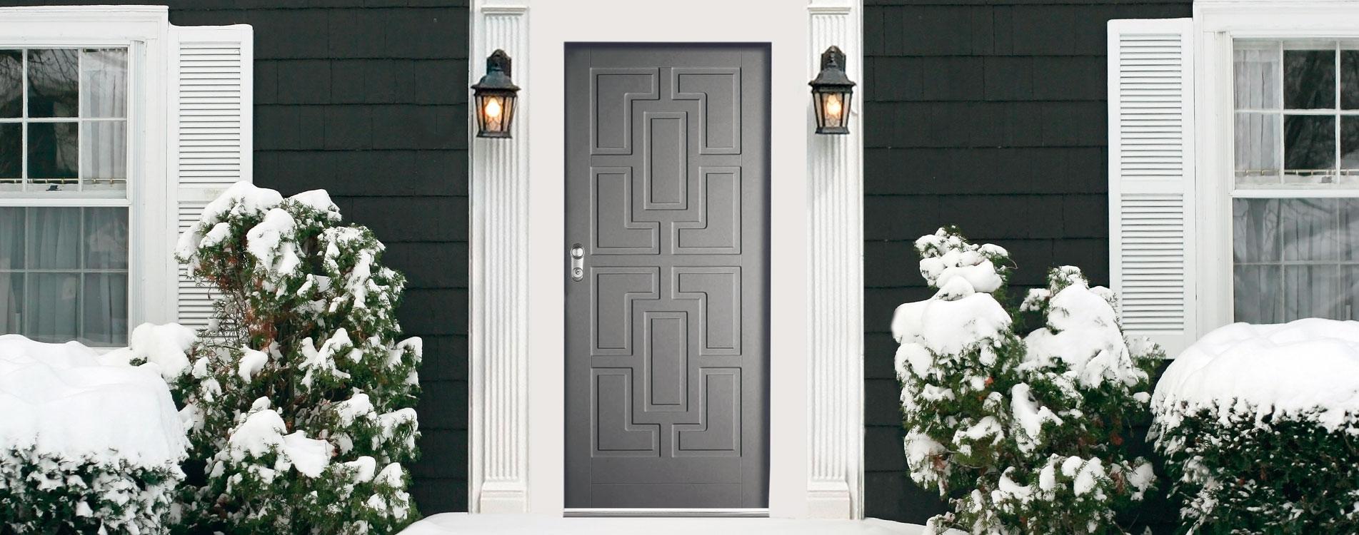 Sécuriser une porte d'entrée d'une villa.